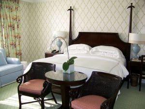 bedroom-394530_1280